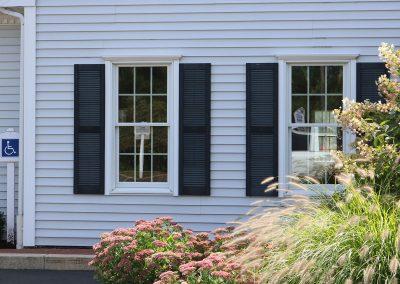 shiretown-doctor-office-new-window-installation-entrance