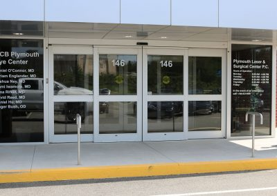 shiretown-glass-commercial-window-installation-at-ocb-plymouth-eye-center-front-entrance